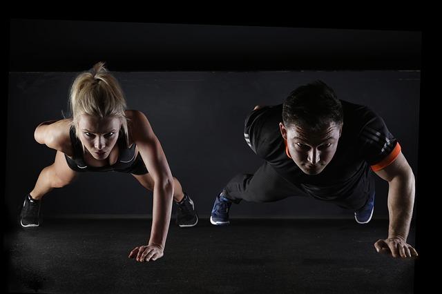 6 einfache Fitnessübungen für zu Hause